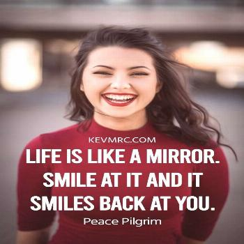 300 BEST Smile Quotes – The ULTIMATE Compilation for You